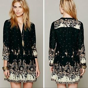 NEW LISTING❗️FREE PEOPLE Paisley Print Dress